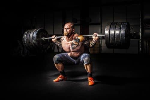 Faire des exercices pour la croissance musculaire